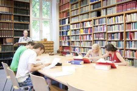 Bibliothek voll